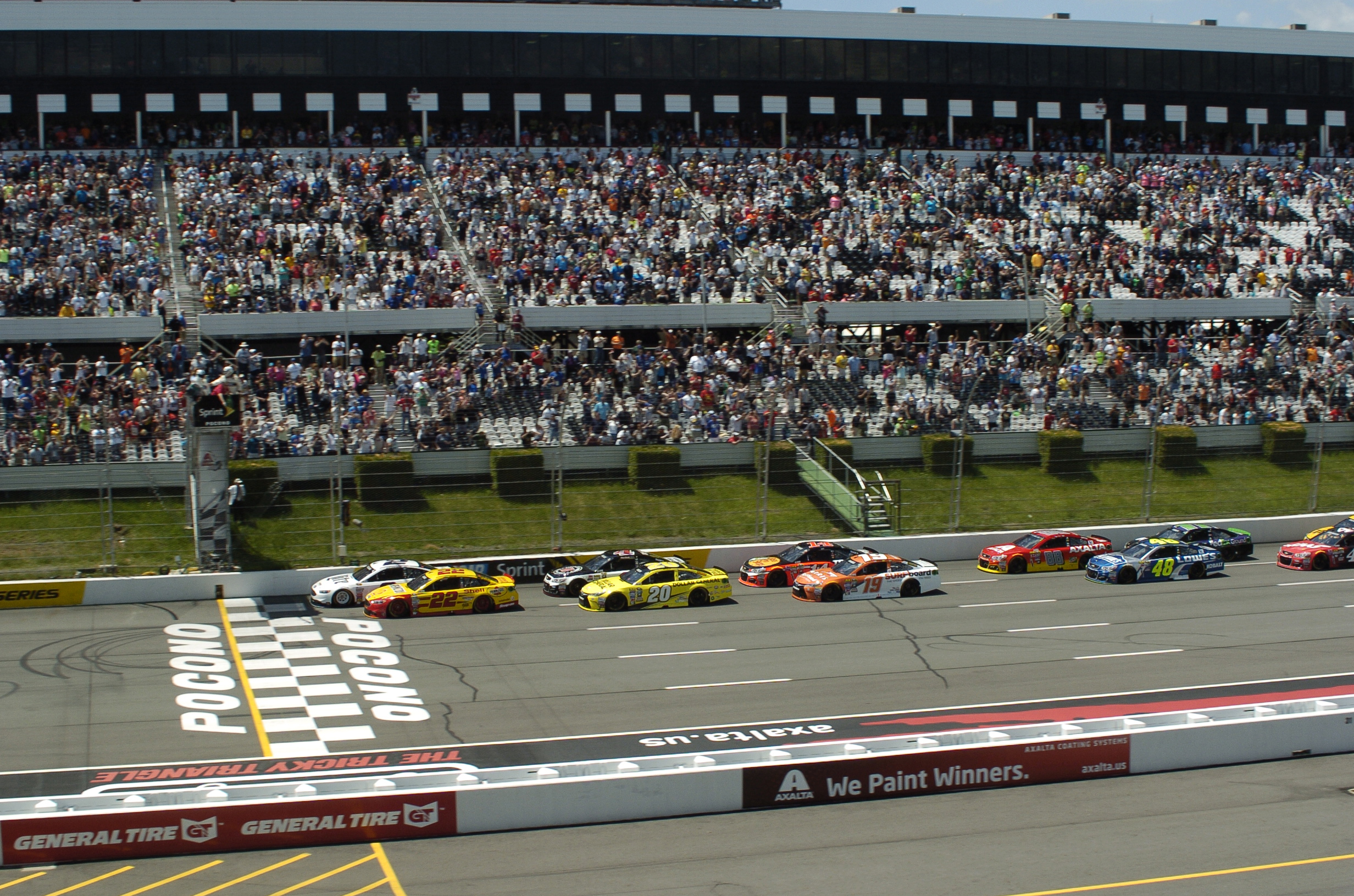 Image of cars on track at Pocono Raceway